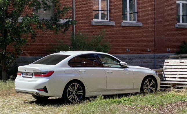 Voiture verte et le bon équilibre : la 330e BMW hybride