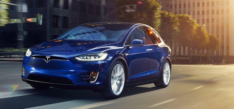 Tesla Model X : la plus rapide avec sept vraies places !