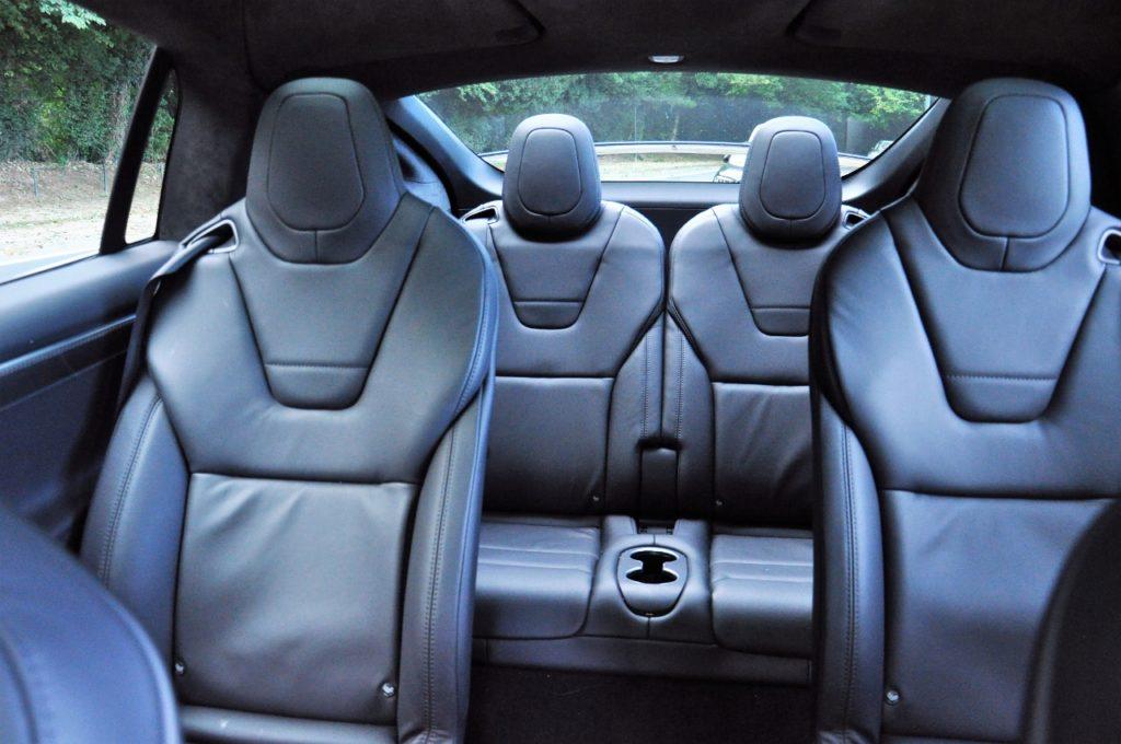 Tesla Model X100d - Jusqu'à sept vraies places