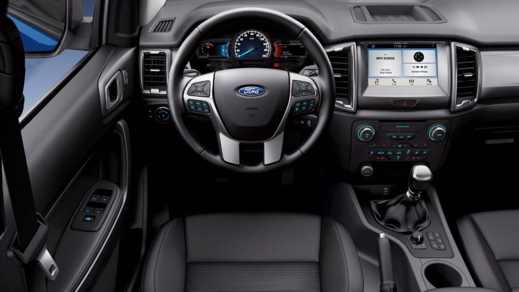 L'intérieur: fonctionnel et robuste, comme l'ensemble du véhicule.